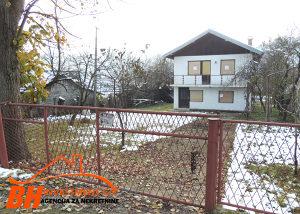 Kuća na parceli od 1.000 m2, naselje Kerep, Gradačac