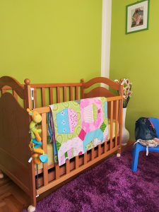 Krevet puno drvo, madrac i posteljina
