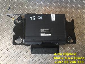 CD changer Transporter T5 2006.
