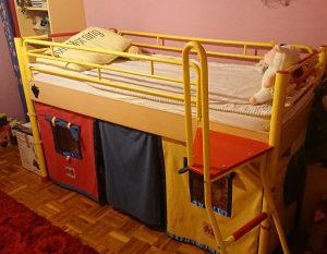 dječiji krevet sa toboganom, komoda i radni sto sa stolicom