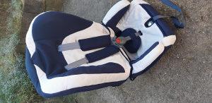 Dobro očuvana auto sjedalica za dijete do 36 kg.