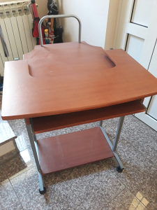 Stolic za kompjuter