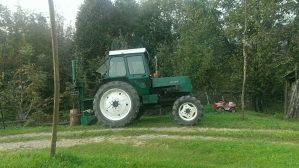 Traktor ltz 62