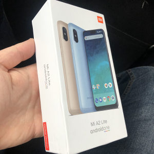 Xiaomi A2 lite 3/32GB crni