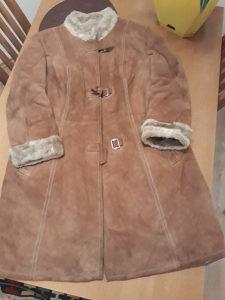 Zenska jakna krzno 42 br.duza