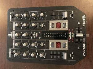 DJ MIXETA BEHRINGER VMX 200