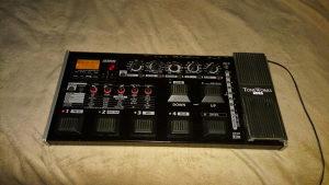 Korg AX3000G+Roland Cube 40W