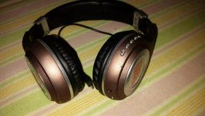 JBL Bluetooth slušalice
