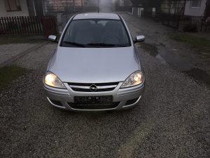Opel corsa 1.3 cdti 2004 god