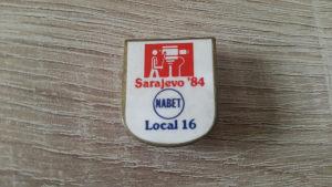 Stara veća značka bedž sa Sarajevske Olimpijade ZOI 84