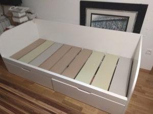 Krevet sa laticama