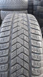 4 gume 215 55 18 Pirelli