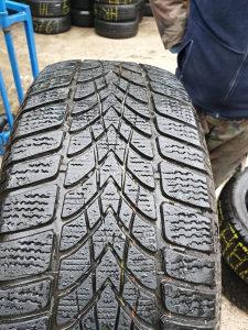 Prodajem 4 gume 225 55 16 Dunlop