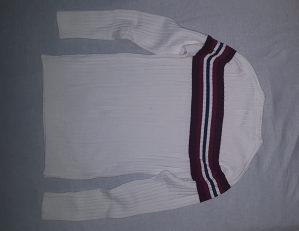 Džemper u odličnom stanju, veoma malo korišten