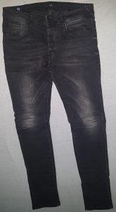Sive hlače bez ostecenja