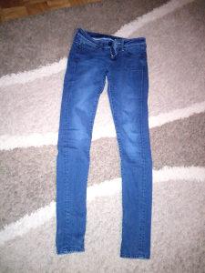 Zenske pantolone