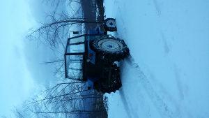 traktor univerzal 550dt