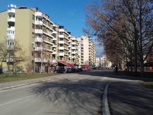 """Trosoban 85 m2, drugi sprat kod O.Š. """"S. Sava"""""""