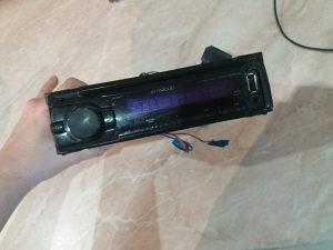 Radio za auto,mp3,usb