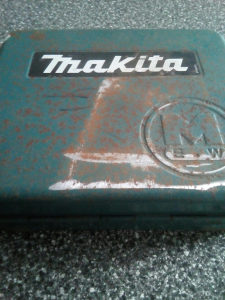 Aku Makita