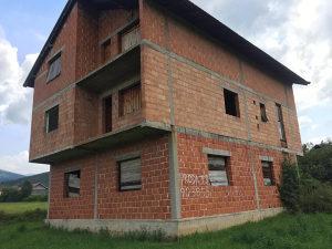 Obiteljska kuća trokatnica od 300m2 plus 3500m2