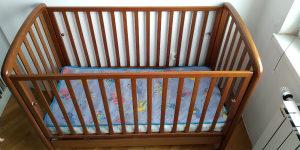 Drveni krevetac za bebe