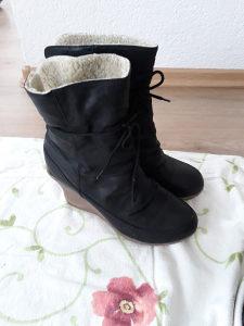 Zenske cizme futrovane puna peta crne 39