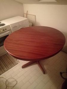Trpezariski sto,120 cm, puno drvo, na razvlacenje