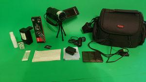 Kamera Sony HDR-CX440 + oprema (16GB kartica, nosač..)