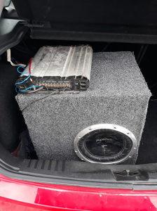 Auto bass kutija i pojacalo /sony Xplod