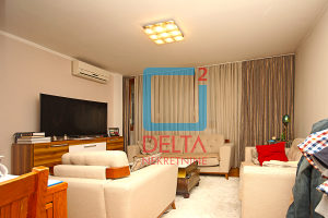 Trosoban stan na prvom spratu, Dolac Malta