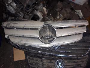 Prednja masaka Mercedes B klasa 2006.godiste