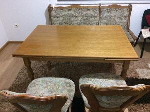 Sto i stolice trepezarijake