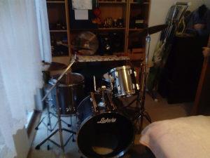 Bubnjar iz Fojnice trazi Metal/Rock bend za saradnju