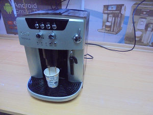 Kafe aparat DeLonghi Magnifica
