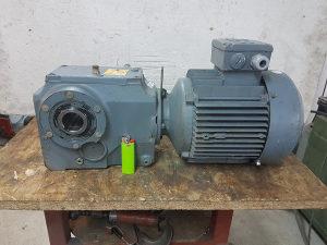 Elektro motor reduktor 2.2 kw 260 obrtaja