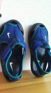 Bebe sandale Nike