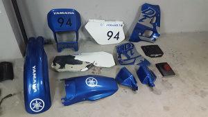 Yamaha DT 125r kompletan set plastika sa rezorvarom
