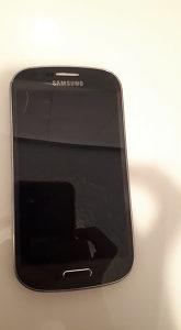 Samsung Galaxy Express I8730 sa manjim kvarom