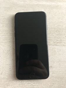 Iphone 7 32gb fabricki otkljucan