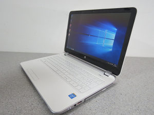 "Laptop HP 15.6"" UltraSlim / 8gb / Intel HD / 6mj.gar"
