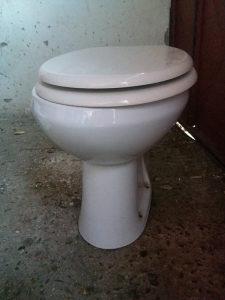 Školjka za wc