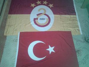 2 zastave Galatasaray i Turska