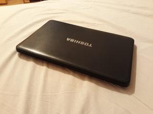 TOSHIBA Satellite C850D 6GB RAM/ AMD E1/ HDD 320GB/ GPU