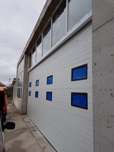 Garazna sekciona vrata-Prozori