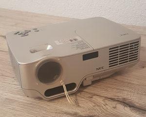 Projektor NEC