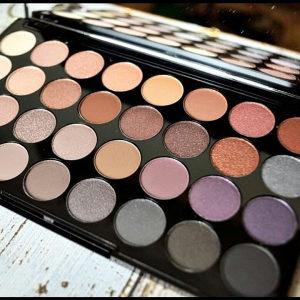 Makeup Revolution paleta