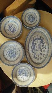 Porculanski tanjiri 26kom.pod detaljno