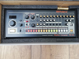 Roland TR-08 ritam masina