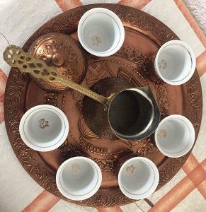 Tradicionalni bakreni Set za kahvu.